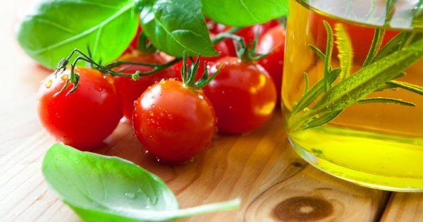 Τέσσερις συνδυασμοί τροφών για καλύτερη απορρόφηση των θρεπτικών συστατικών