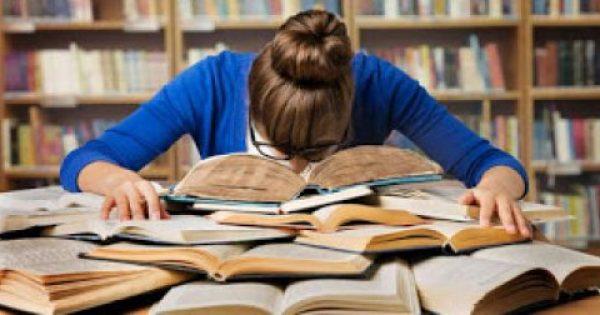 Τα θυμάσαι; 12 μαθήματα-παλούκια που ποτέ κανείς δεν πέρασε με την πρώτη στο Πανεπιστήμιο!