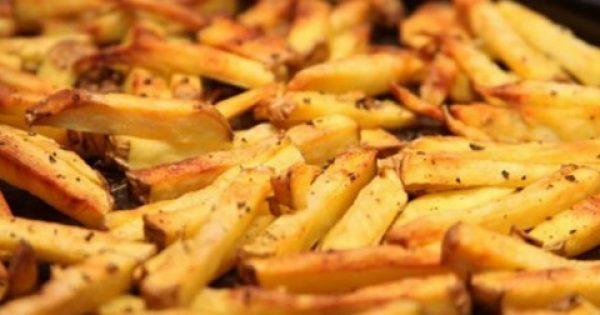 ΔΕΙΤΕ Πώς να τηγανίζετε τις πατάτες για να μην είναι «καρκινογόνες»