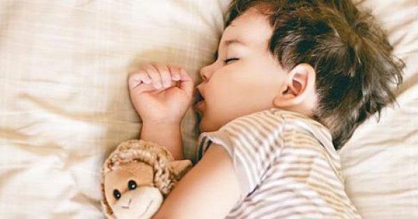Γιατί δεν χρειάζεται να πιέζουμε τα παιδιά να κοιμούνται για μεσημέρι