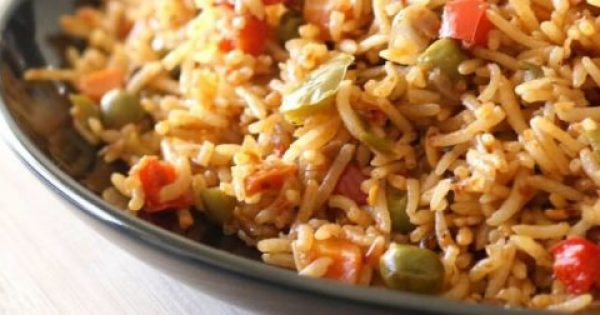 Κινέζικο τηγανητό ρύζι στο γουόκ