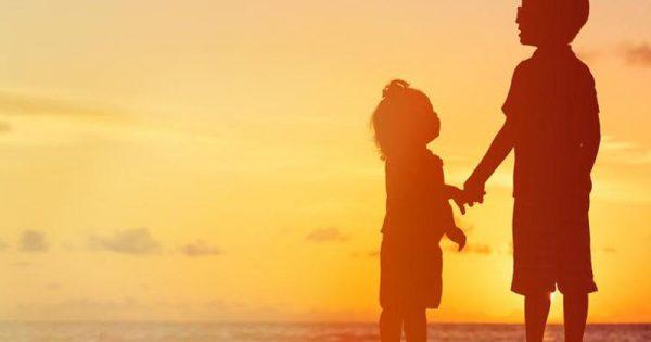 Αυτισμός: Ο ρόλος της κληρονομικότητας – Πόσο κινδυνεύουν τα αδέλφια των αυτιστικών παιδιών