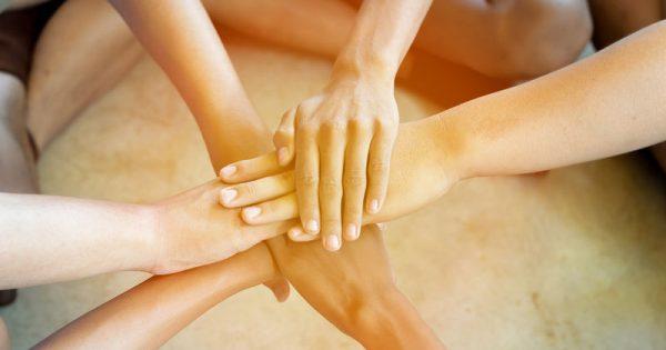 Έξι ασθένειες που φαίνονται στα χέρια