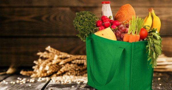 Πώς θα μεταφέρετε με ασφάλεια τα ψώνια του σούπερ μάρκετ σε επαναχρησιμοποιούμενες τσάντες