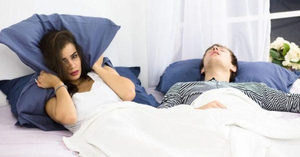 Το ροχαλητό εγκυμονεί  κινδύνους για τους καρδιοπαθείς!!!