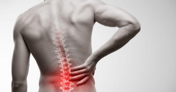 Πόνος στην μέση: Ποιες κινήσεις θα σας ανακουφίσουν [vid]
