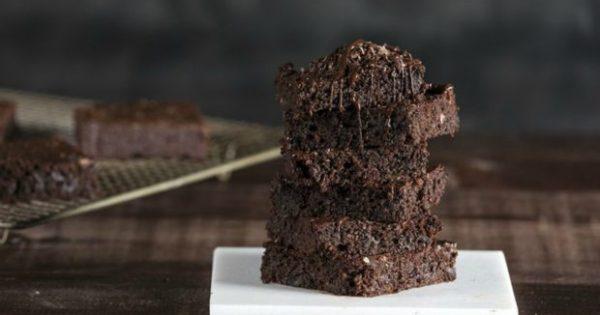 Σαββατιάτικα Brownies με Αβοκάντο και Χωρίς Μίξερ!