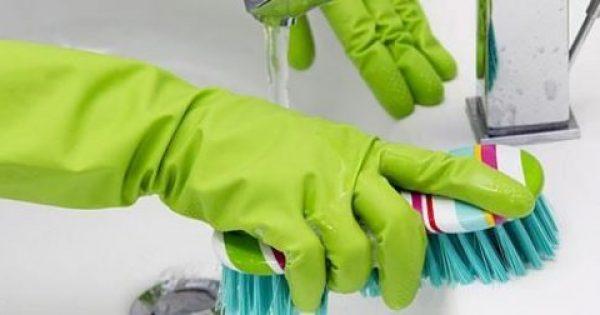 Πώς να καθαρίσετε τέλεια το μπάνιο χωρίς χημικά