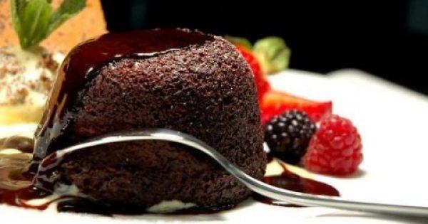 Ακαταμάχητη ανάγκη για γλυκό μετά το φαγητό: τι σημαίνει;
