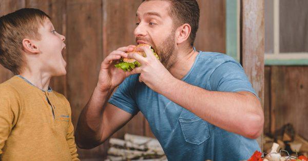 Η διατροφή του άντρα «κλειδί» για την υγεία των παιδιών του