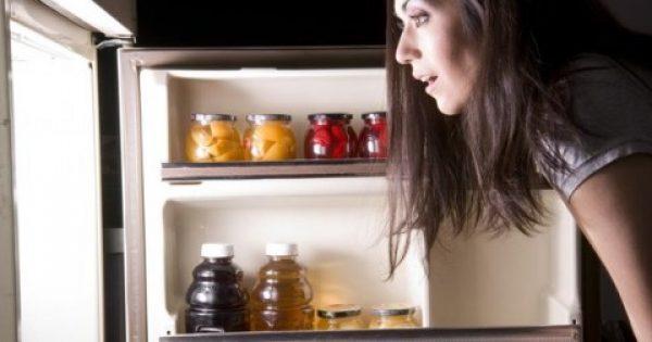 Ποιες τροφές δεν πρέπει να τρώτε ΠΟΤΕ πριν τον ύπνο