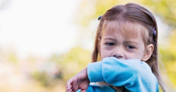 Κοκκύτης: Πώς μεταδίδεται – Συμπτώματα και επιπλοκές