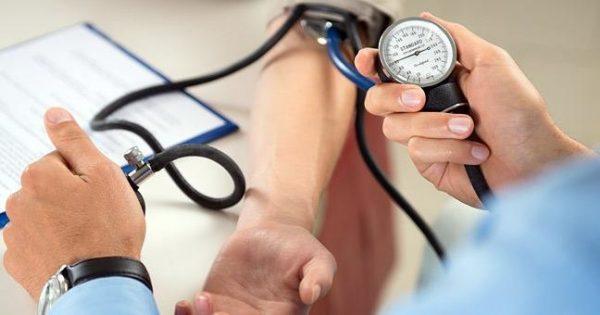 Επτά τρόποι για να μειώσουμε την πίεση πριν ή παράλληλα με τα φάρμακα