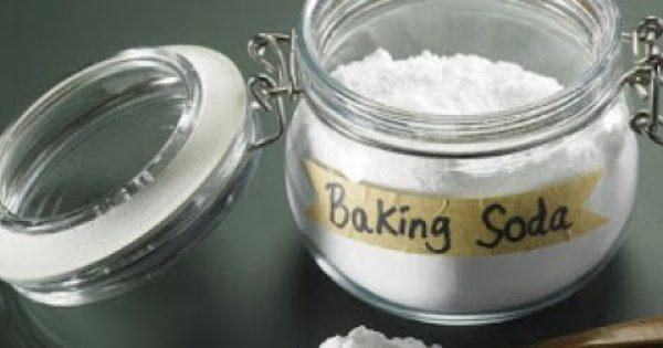 """Μαγειρική σόδα: 4 """"σωτήριες"""" σπιτικές συνταγές ομορφιάς"""