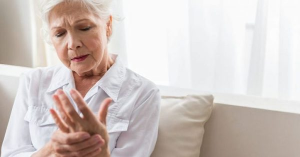 Ρευματικά νοσήματα: Έγκαιρη διάγνωση, δυναμική θεραπεία και άμεση επίσκεψη στο γιατρό το κλειδί