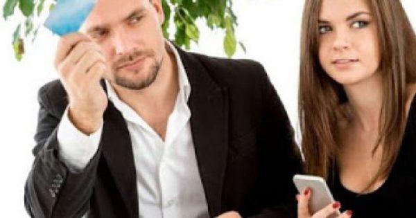 Πρέπει ή όχι να έχεις κοινό ταμείο με τον σύντροφό σου; Τι λένε οι ειδικοί