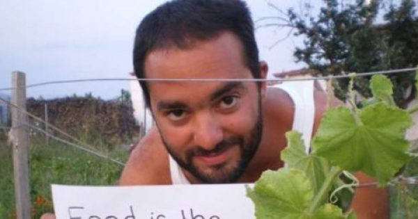 Σωτήρης Λυμπερόπουλος, ο νεαρός επιστήμονας που έκανε επιχείρηση να μαζεύει άγρια χόρτα στο βουνό