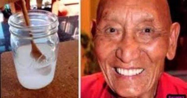 Γιατί οι Θιβετιανοί μοναχοί έχουν δυνατά, λευκά δόντια