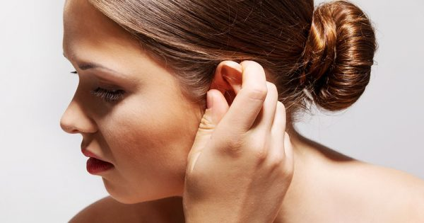 Πώς θα καθαρίσετε με ασφάλεια τα αυτιά σας