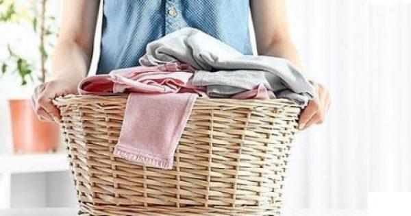8 μυστικά που θα κάνουν τα ρούχα σας να μοσχοβολούν