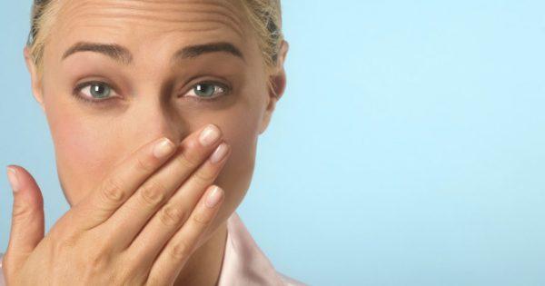 Δυσάρεστη αναπνοή: Οι αιτίες που δεν φαντάζεστε – Τι να κάνετε