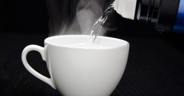 Ποια είναι τα 8 οφέλη του να πίνετε ζεστό νερό