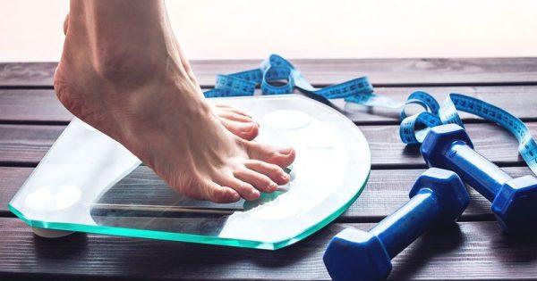 7 ανησυχητικοί λόγοι που χάνεις βάρος ενώ δεν κάνεις δίαιτα