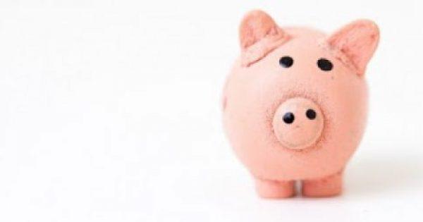 5 έξυπνα τρικ για να μην ξεμείνεις από λεφτά τις γιορτές