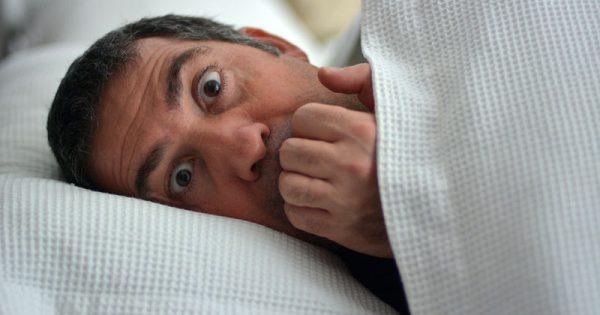Κάνετε ανήσυχο ύπνο; Δείτε από ποιες σοβαρές ασθένειες κινδυνεύετε στο μέλλον