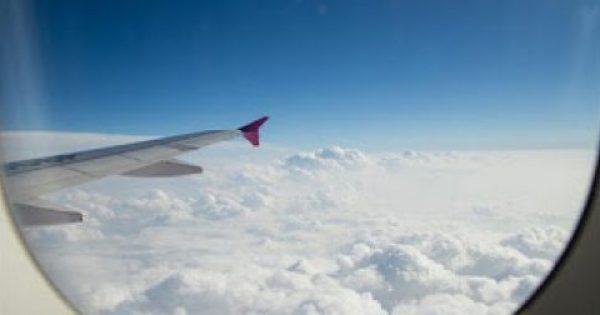 Δέκα πράγματα που δεν πρέπει να κάνετε ποτέ στο αεροπλάνο