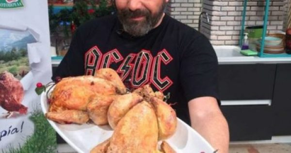 Βασίλης Καλλίδης: Κοτόπουλο γεμιστό στη λαδόκολλα!