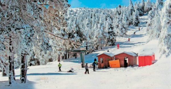 Αυτό είναι το πιο Μαγευτικό Ορεινό Χωριό για να Περάσετε τα Φετινά Χριστούγεννα