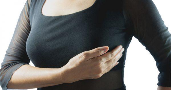 Καρκίνος μαστού: Οι τροφές που μετριάζουν τις παρενέργειες των θεραπειών