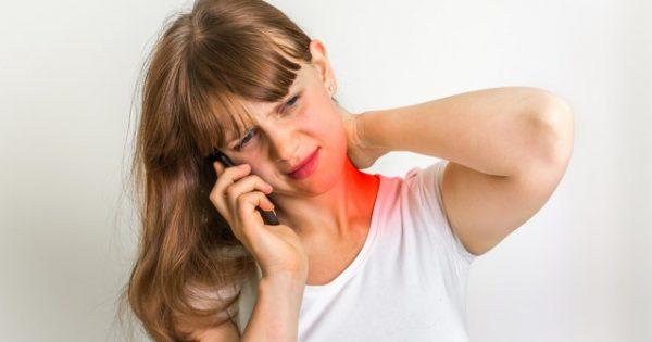 Πόνος στον αυχένα: Πού οφείλεται και πότε να συμβουλευτείτε γιατρό!!!