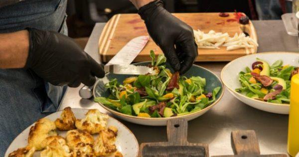 5 Σημαντικοί Λόγοι για να Χρησιμοποιήσετε ΑΥΤΑ τα Γάντια στο Μαγείρεμα