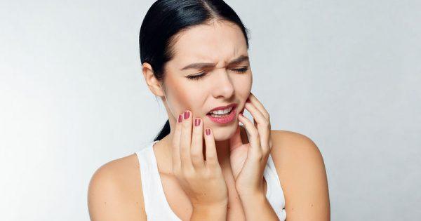 Απόστημα στο δόντι: Αίτια, συμπτώματα και αντιμετώπιση