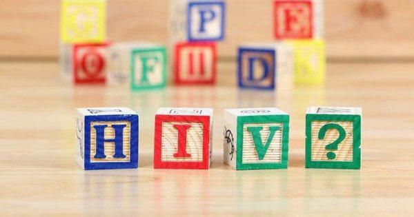 AIDS: Τα συμπτώματα που θα πρέπει να σας ανησυχήσουν (Γράφημα)