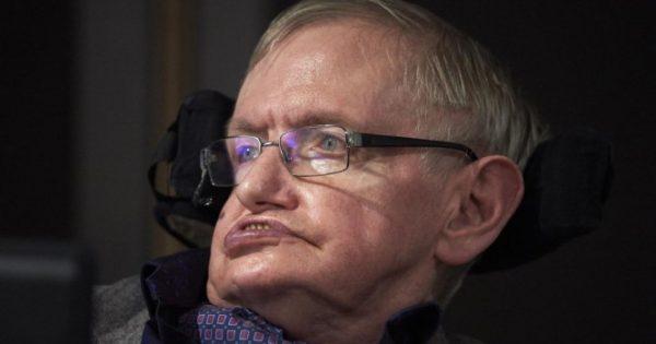 Ο Στίβεν Χόκινγκ έγινε 76 ετών – Πώς επιβίωσε τόσα χρόνια παρά την θανατηφόρα ασθένειά του