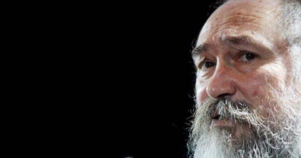 Τζίμης Πανούσης: Πέθανε από καρδιακή ανακοπή – Τι είναι η κολπική μαρμαρυγή που είχε πάθει