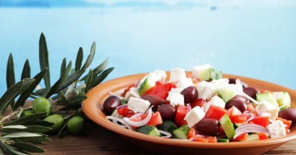 Μεσογειακή διατροφή: Από ποιον πολύ συχνό καρκίνο προστατεύει