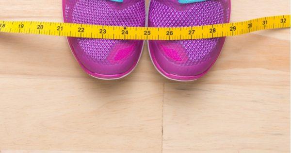 Περπάτημα και αδυνάτισμα: Πόσα βήματα/ημέρα χρειάζεστε για να χάνετε 2 κιλά/μήνα [υπολογισμός]