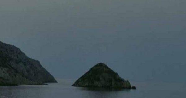 Παγκόσμιο ενδιαφέρον για το νησί «πυραμίδα» του Αιγαίου. Χτίστηκε και οχυρώθηκε με πέτρα 1.000 χρόνια πριν από τις Μυκήνες