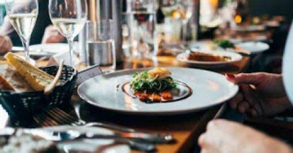 Φαγητό στο εστιατόριο: Πώς να μην το παρακάνουμε