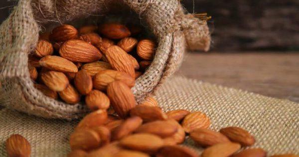Προσοχή: Αυτές τις 9 τροφές δεν πρέπει ποτέ να τις τρώτε ωμές