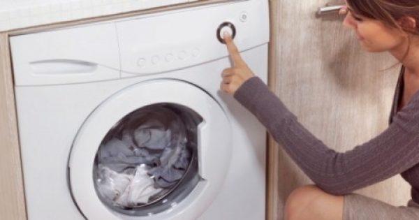 Έβαλε μαγειρική σόδα στο πλυντήριο… Ο λόγος;