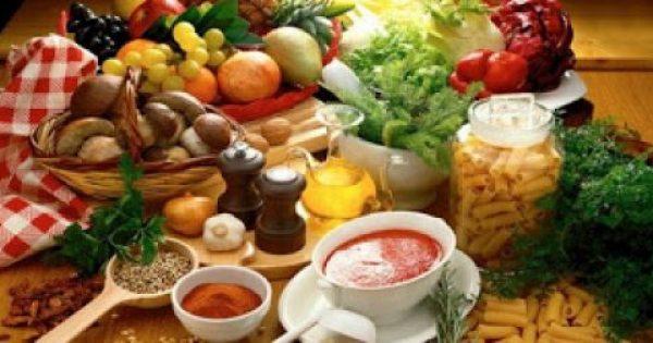 Τρεις τροφές που κάνουν το σώμα να μυρίζει άσχημα