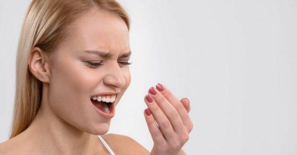 Πρωινή κακοσμία στόματος: 3 πιθανές αιτίες και 4 tips για να την αντιμετωπίσετε!!!