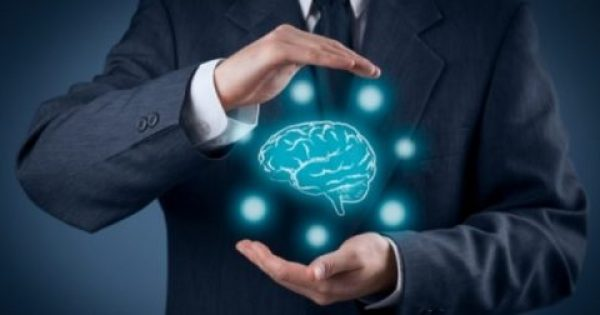 Η βιταμίνη που προστατεύει από το εγκεφαλικό και πού θα τη βρείτε