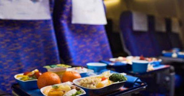 Γιατί το φαγητό στο αεροπλάνο δεν έχει ωραία γεύση;