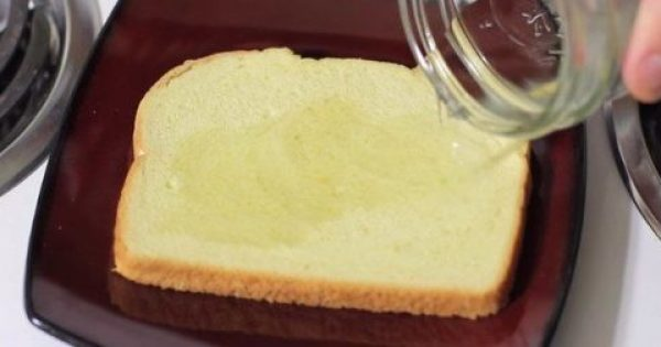 Έριξε Ξύδι Σε Ένα Κομμάτι Ψωμί Και Το Πέταξε Στα Σκουπίδια -Αυτό Που Συμβαίνει Θα Σας Λύσει Τα Χέρια! -10 Χρήσεις Σε 1 ΒΙΝΤΕΟ